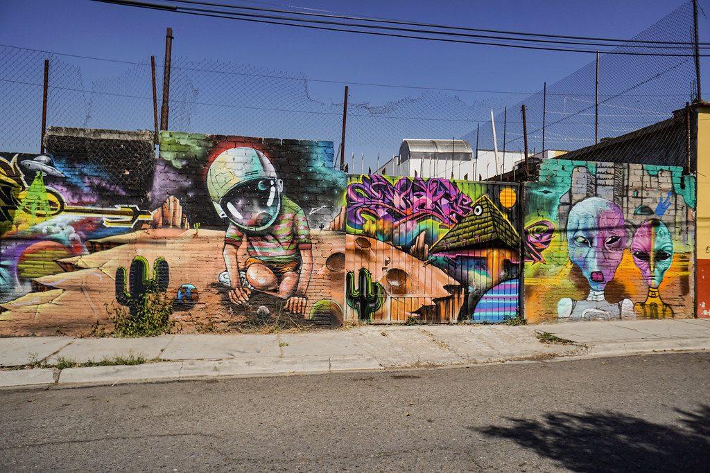 Wall with elaborate graffiti